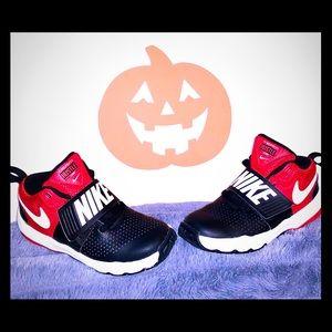 Nike TEAM HUSTLE sneakers size 12